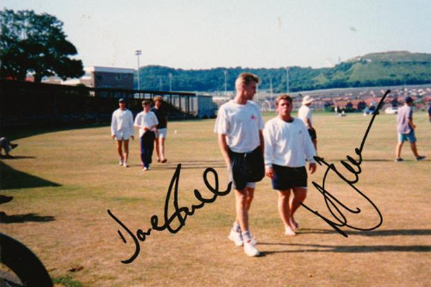 Matt-Walker-signed-David-Fulton-autograph-Tav-Walks-Kent-CCC-cricket-memorabilia-autographed-county-signature-KCCC-Spitfires-Matthew-coach