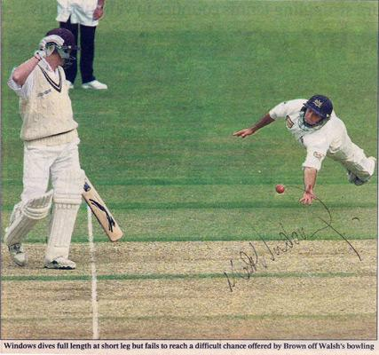 Matt-Windows-autograph-signed-Gloucestershire-Gloucs-CCC-cricket-memorabilia-newspaper-picture-fielding-run-out-opening-batsman-signature