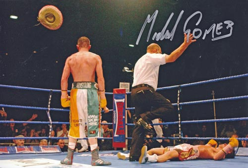 Michael-Gomez-autograph-signed-boxing-memorabilia-boxer-irish-mexican-british-super-featherweight-champion-armstrong-boxer