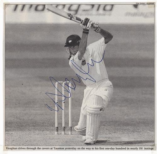 Michael-Vaughan-autograph-signed-england-cricket-memorabilia-captain-yorkshire-ccc-yorks-one-day-century-ton-gunn-and-moore-bat-taunton-2001