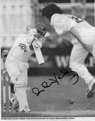 Michael-Yardy-autograph-signed-Sussex-Cricket-memorabilia-sharks-CCC-England-ODI-captain