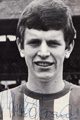 MIKE CHANNON (Southampton, Man City, Norwich City & England ) signed B&W pic.