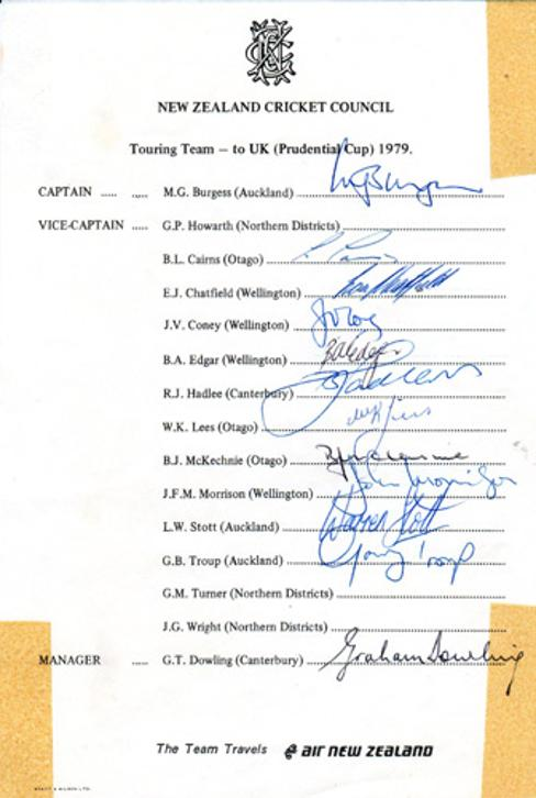 New-Zealand-cricket-memorabilia-1979-signed-team-sheet-richard-hadlee-autograph-glenn-turner-signature-cairns-howarth-wright-edgar-coney-chatfield-burgess-lees-nz