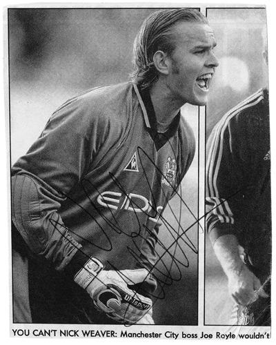 Nicky-Weaver-autograph-Man-City-football-memorabilia-hand-signed-newspaper-pic-signature-collectable