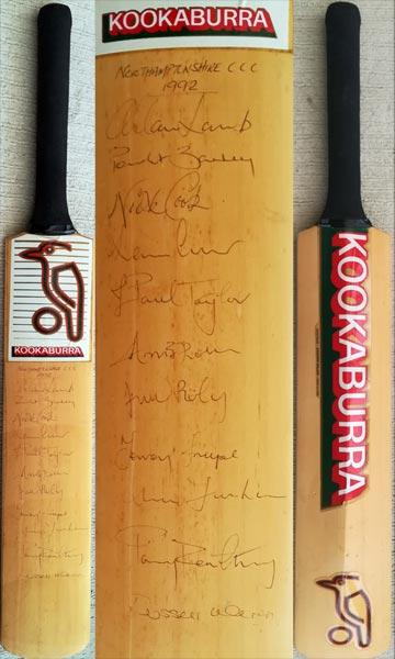 Northants-cricket-memorabilia-signed-kookaburra-full-size-bat-1992-squad-allan-lamb-autograph-kevin-curran-nick-cook-curtley-ambrose