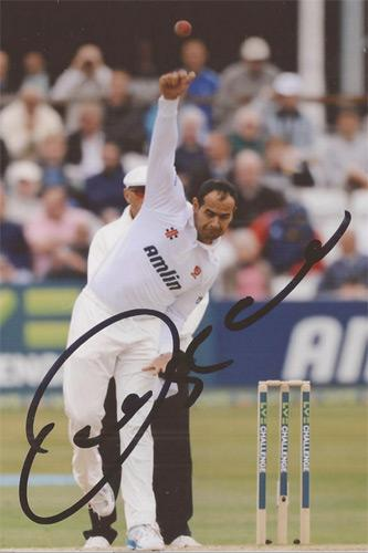 Owais-Shah-memorabilia-autograph-signed-England-cricket-memorabilia-Middx-cricket-memorabilia-bowling-spin-test-match-Hants-hair-loss-wig
