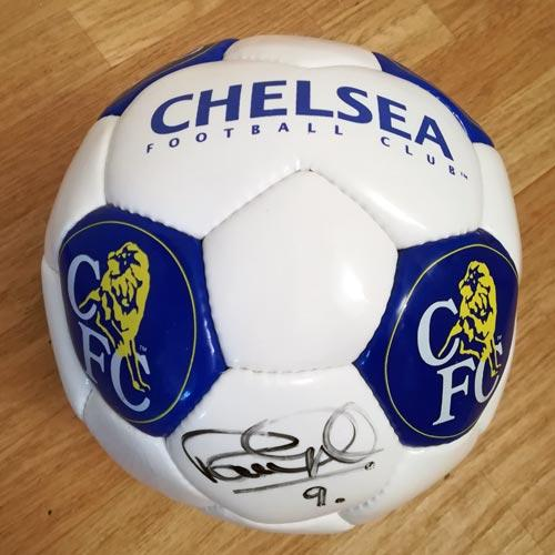 Peter-Osgood-autograph-signed-chelsea-football-memorabilia--stamford-bridge-ossie-signature-ball-cfc