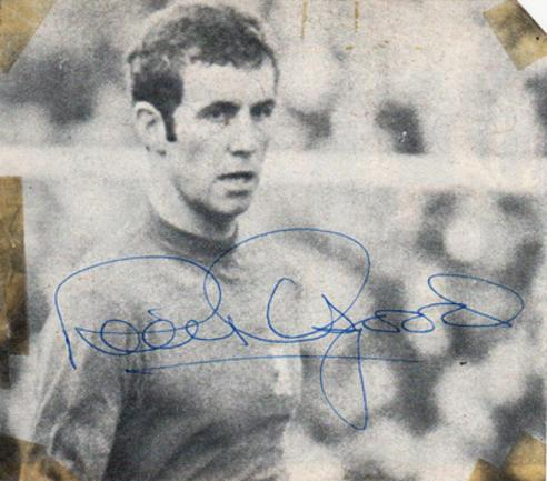 Peter-Osgood-autograph-signed-chelsea-football-memorabilia-england-striker-stamford-bridge-southampton-forward-the-blues-cfc-ossie-signature
