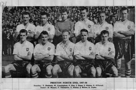 Preston-North-End-fc-football-memorabilia-team-photo-1957-1958-autograph-signed-Sir-Tom-Finney-signature