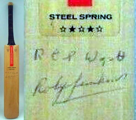 RES-Bob-Wyatt-autograph-signed-worcestershire-cricket-memorabilia-roly-jenkins-warks-ccc-gray-nicolls-mini-bat-england-captain-bodyline