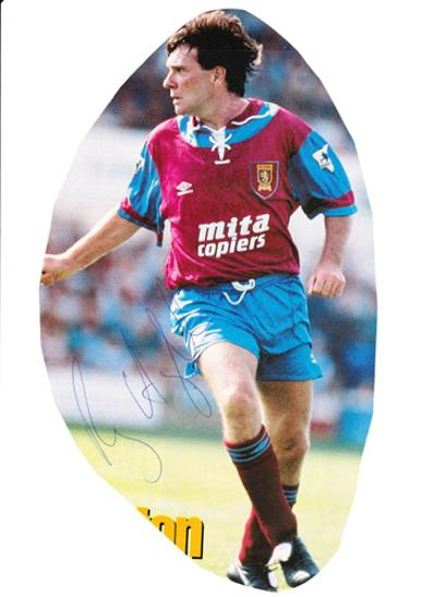 Ray-Houghton-autograph-signed-Aston-Villa-fc-football-memorabilia-signature-republic-of-ireland-captain-liverpool-midfielder