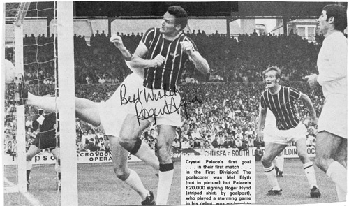 Roger-Hynd-autograph-signed-Crystal-Palace-football-memorabilia-eagles-cpfc-signature-debut