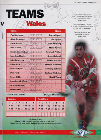 Rugby-League-world-cup-memorabilia-1995-programme-england-wales-semi-final-autograph-signed-Jonathan-Davies-Scott-Gibbs-Moriarty-Iestyn-Harris-Devereaux-Phil-Ford-Quinnell-Dai-Young