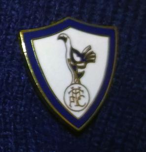 Spurs-FC-club-metal-pin-badge-football-memorabilia-cockerel