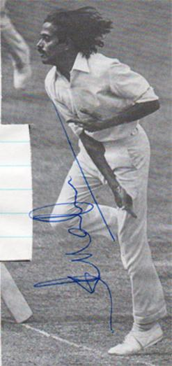 Srinivasaraghavan-Venkataraghavan-autograph-signed-India-cricket-memorabilia-Indian-off-spinner-signature-derbys-ccc-tamil-nadu-madras-icc-umpire