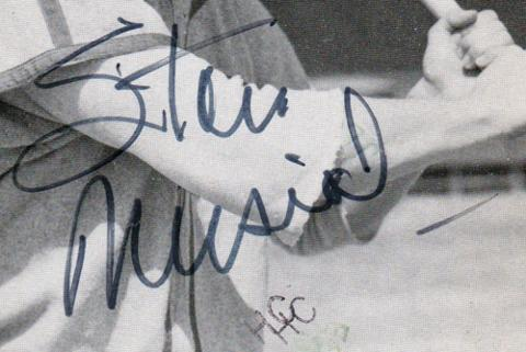Stan-Musial-autograph-signed-MLB-baseball-memorabilia-St-Louis-Cardinals-Stan-the-man-hall-of-fame-postcard signature