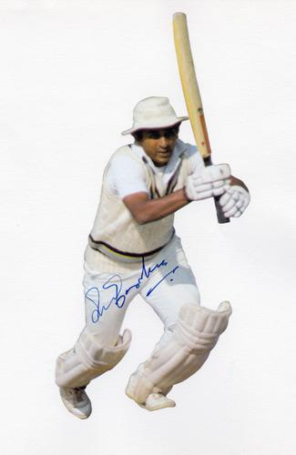 Sunil-Gavaskar-autograph-signed-India-cricket-memorabilia-Sunny-captain-batsman-legend-signature