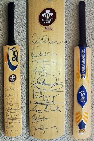 Surrey-cricket-memorabilia-signed-kookaburra-mini-bat-2005-squad-butcher-bicknell-benning-clarke-batty-doshi-clinton-the oval-sccc