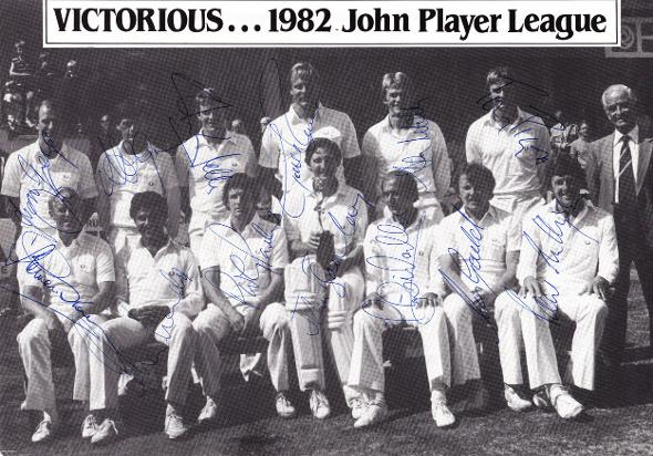 Sussex-CCC-cricket-memorabilia-team-photo-signed-1982-John-Player-champions-Le-Roux-Mendis-Greig-Gould-Wells-Parker-Sharks-1100-2