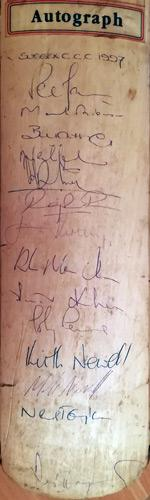 Sussex-cricket-memorabilia-signed-county-cricket-bat-desmond-haynes-autograph-vasbert-drakes-peter-moores-james-kirtley-bill-athey-amer-khan-neil-taylor-sharks-1997
