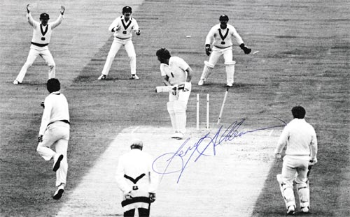 Terry-Alderman-autograph-signed-australia-cricket-memorabilia-1981-ashes-series-4th test-ian-botham-bowled