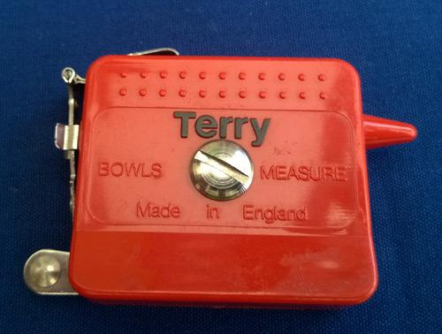 Terry-Bowls-Measure-with-calipers-made-in-england-flat-green-lawn-bowling-measurement