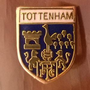 SPURS FC METAL PIN BADGE  1.7 cms high metal pin badge  with Spurs Cockerel THFC logo.