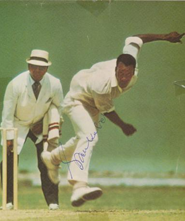 Vanburn-Holder-autograph-signed-west-indies-cricket-memorabilia-worcs-ccc-fast-bowler-alonso-barbados-orange-free-state-first-class-umpire