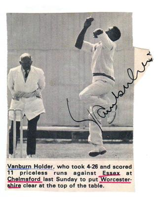 Vanburn-Holder-autograph-signed-worcs-ccc-cricket-memorabilia-worcestershire-weest-indies-fast-bowler-test-match-umpire-signature