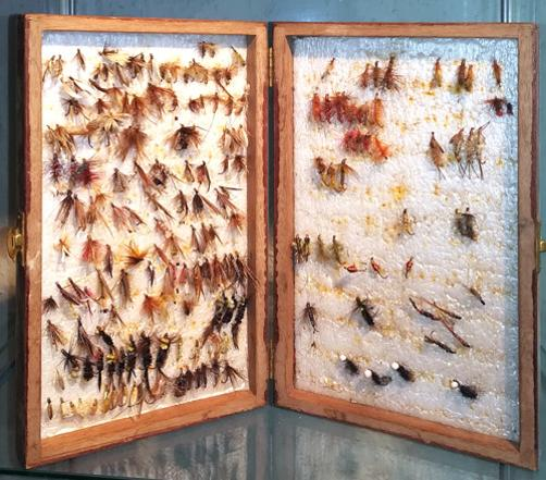 Vintage-wooden-fly-box-fishing-angling-memorabilia-hand-tied-wet-dry-flies-sea-trout-salmon-grayling-lakes-rivers