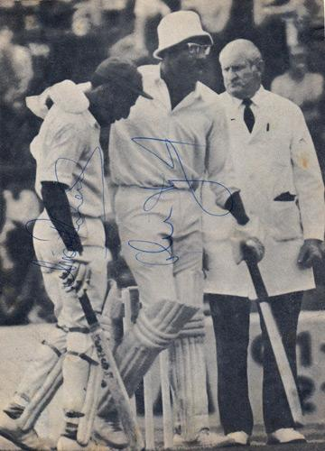 Viv-Richards-autograph-clive-lloyd-signed-west-indies-cricket-memorabilia-somerset-lancashire-glamorgan-master-blaster-supercat-1975-world-cup-final-signature