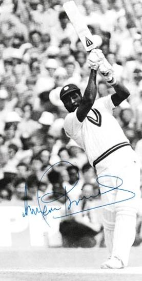 Viv-Richards-autograph-signed-west-indies-cricket-memorabilia-master-blaster-somerset-ccc-iva-antigua