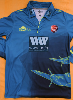 Wayne-Parnell-autograph-signed-kent-cricket-memorabilia-spitfires-south-africa-kccc-one-day-t20-2017-worn-playing-shirt-all-rounder-36