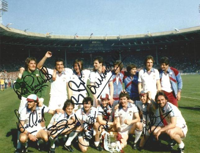 West-Ham-football-memorabilia-signed-1980-FA-Cup-winners-team-photo-bonds-pearson-martin-parkes-devonshire-hammers-wembley-stadium