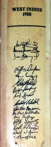 West-indies-cricket-memorabilia-signed-mini-cricket-bat-1988-squad-team-malcolm-marshall-autograph-ambrose-walsh-hooper-richards-bishop-haynes-harper-logie