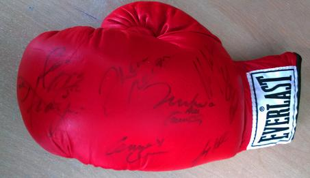 Heavyweight-champions-signed-boxing-glove-Muhammad-Ali-Joe-Frazier-Ken-Norton-Sonny-Liston-Larry-Holmes-Mike-Tyson-Lennox-Lewis-Riddick-Bowe-Evander-Holyfield-autograph-boxing-memorabilia