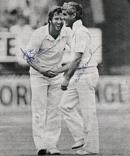 ian-botham-autograph-signed-england-cricket-memorabilia-1981-ashes-test-match-mike-brearley-signature-captain