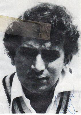 sunil-gavaskar-autograph-signed-India-cricket-memorabilia-indian-captain-opening-batsman-ipl-signature-sunny-portrait